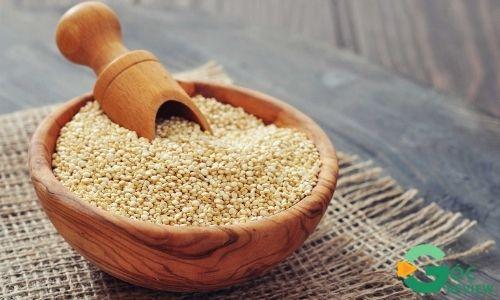 Hat-diem-mach-Quinoa-thuc-an-giam-can